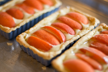 Apricot-Almond Tarts | Zen Can Cook