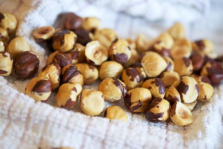 white-truffle-macarons-7