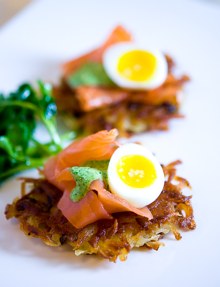 potato-latke-with-smoked-salmon-and-watercress-cream-31