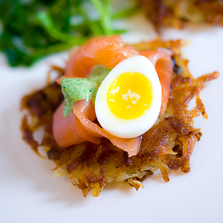 potato-latke-with-smoked-salmon-and-watercress-cream-4