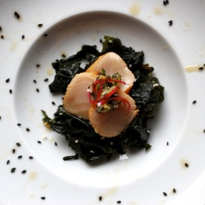 smoked scallop & wakame