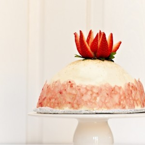 Jasmine & Lychee Mousse Cake