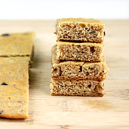 GF Dark Chocolate and Walnut Banana Bread Snack Bars