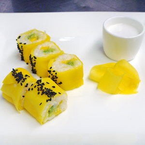 Mango with Coconut Sticky Rice Sushi