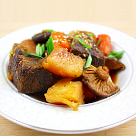 Korean-Style Soy Sauce Braised Brisket