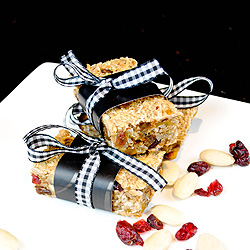 Almond, cranberry and applesauce granola bars
