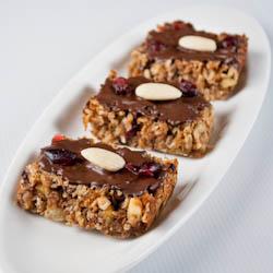 Almond & Apricot Granola Bars