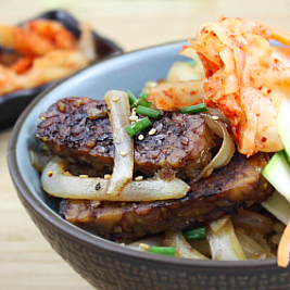 """Bulgogi"" Tempeh with Sautéed Onions"