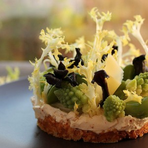 Crunchy vegetables and mascarpone tart