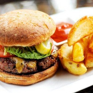 Homemade Beef burger with chips