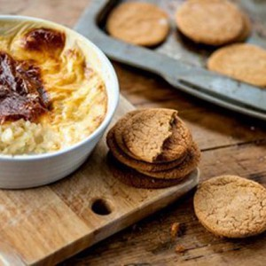 Rice pudding with ginger snaps