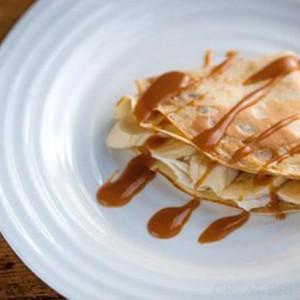 Toffee banana pancakes