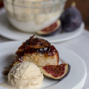 FIG UPSIDE DOWN CAKE & MAPLE SYRUP ICE CREAM