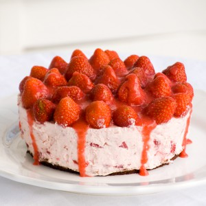 Strawberry-Mascarpone Cake